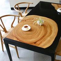 KUSU / DINING TABLE