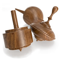 HermanMillerセレクト こま3個セット(WALNUT SPINNING TOPS)